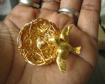 Vintage Gold Plated Bird and Nest Brooch Pin Nostalgic Jewelry