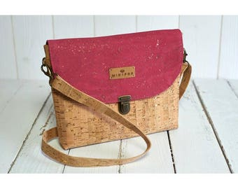 Shoulder bag vegan leather flap fuchsia supple and soft, eco-friendly and ethical gold and natural cork.