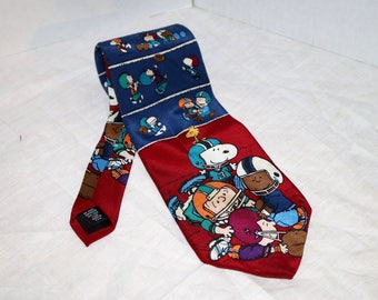 """Vintage Peanuts Men's Tie - Football - 100% Silk - """"First Down"""" - Made in USA - United Feature Syndicate, Inc."""