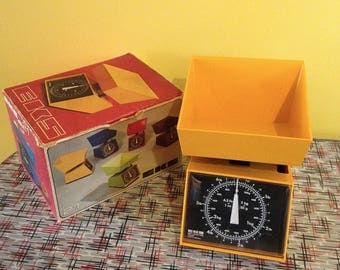 Vintage 1970s EKS 21 Kitchen Scale Made in Sweden Yellow- Orange in Original Box