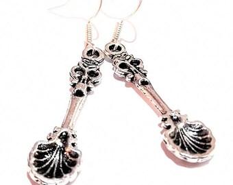 Spoon charm pearl vintage women earrings