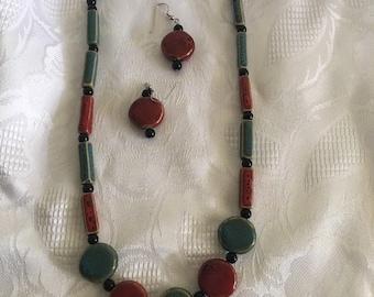 Beautiful red/green stone jewelry set