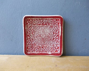 Moroccan Ring Dish / Ceramic Jewelry dish / Jewelry organizer / Bridesmade gift / Spoon rest / Vintage Print / red