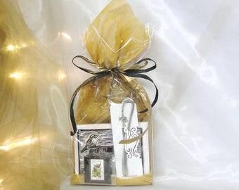 Bird Lover Gift Pack - Wren and Books Note Cards, Flock of Birds Bookmark, Vintage Wren Stamp Magnet