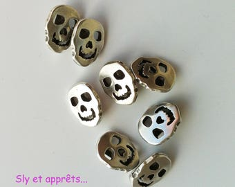 2 beads skull 10mm loops