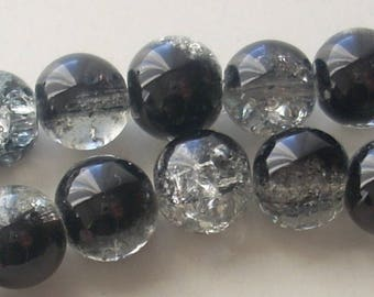 10 pearls in black and white cracked glass 8mm