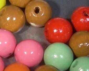 20 round wooden beads pink 12mm random mix