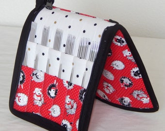 24 pair capacity Interchangeable knitting needle and crochet hook keeper case sized to hold up to US 11 sheep