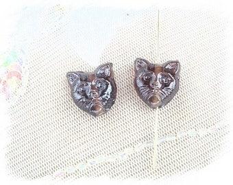 2 cat purple glass beads
