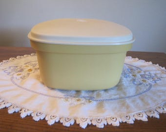 Tupperware Square Covered Bowl 1970,s