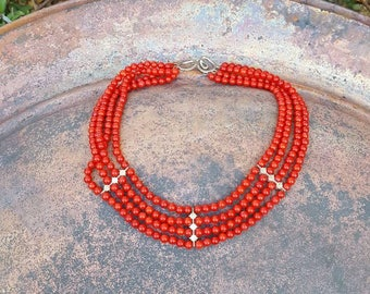 Beautiful Glass Bead Vintage Necklace