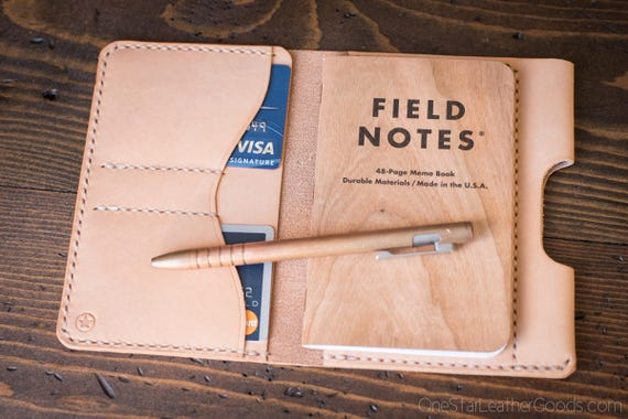 "Field Notes wallet with pen sleeve ""Park Sloper Senior"" natural vegetable tanned leather - natural veg"