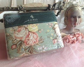 Gorgeous vintage never opened Ralph Lauren queen sized complete set of Charlotte cabbage roses