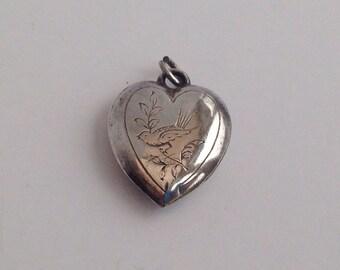 Vintage Silver Heart With Bird Detail Pendant Without Chain. Vintage Silver Pendant. Bird Pendant. Heart Pendant.