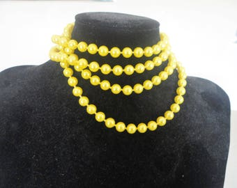 Yellow Long Pearlized Popcorn Beaded Necklace Costume Jewelry