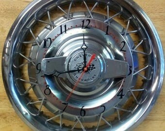 1962-Chevrolet-Spinner-Hubcap-Wall-Clock-Chevy-II-Corvair-Garage-Classic-Car