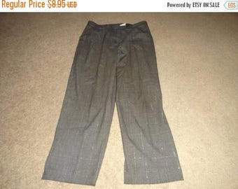 50% OFF Size 14 Petite Vintage pants with 34 inch waist 28 inch inseam Polyester rayon