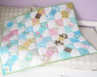 "Patchwork quilt ""Bowties of summer"""