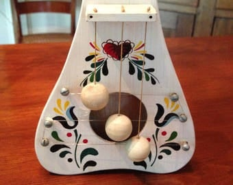 """Swedish Door Harp 7"""" x 5 """" HandMade & Hand Painted Wooden Chimes Welcome People to Your Home with a Cheery Tinkling Sound"""