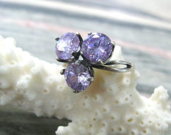 Lilac CZ Ring Silver plated vintage rings for women Size 7.5 triple stone ring Triskele crystal rings light purple jewelry amethyst crystal