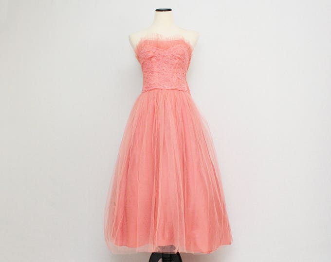Vintage 1950s Tea Length Coral Lace and Tulle Dress - Size Medium