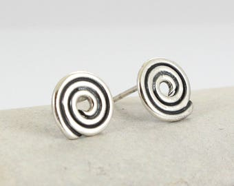 Sterling Silver spiral stud earrings - Tiny dainty stud earrings - Circle Earrings - Minimalist earrings - Silver Oxidized- Meandros