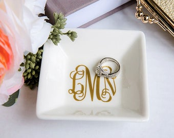 Jewelry dish, personalized ring dish, bridesmaid gift, personalized jewelry dish, bridal shower gift, monogram ring dish, free shipping