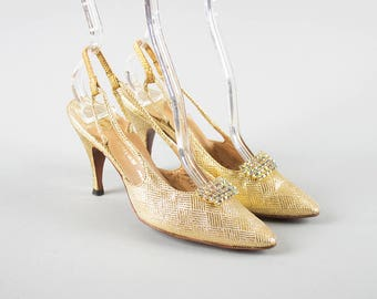 Vintage 1960s Shoes | 60s ANDREW GELLER Metallic Gold Brocade AB Rhinestones Stiletto High Heel Slingbacks (womens 4 4.5)