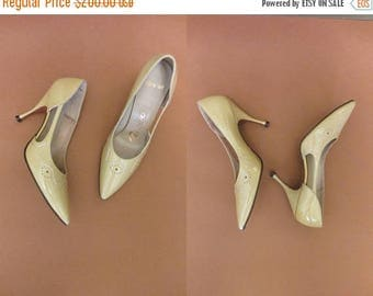 ON SALE 1960s buttercup yellow pumps | 50's 60's mid century high heels