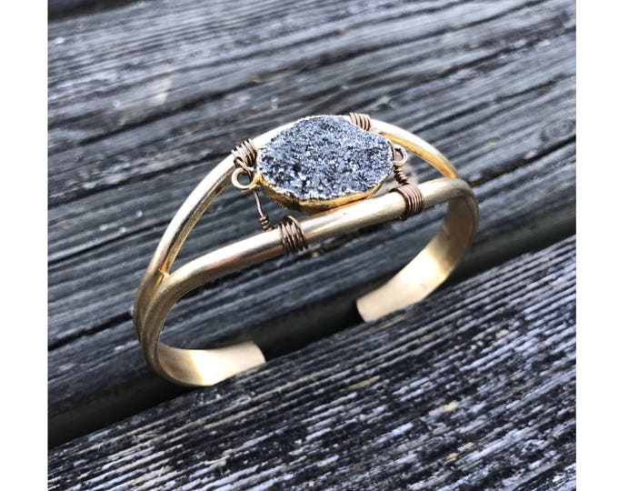 Druzy cuff / Bracelet for her / gift under 50 / cuff bracelet / stone bracelet / gold cuff