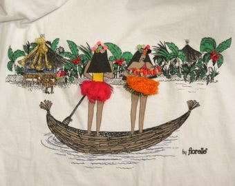 1980s 80s HULA Dancers T Shirt / Polynesian / HAWAII / 3D skirts / Awesome / by fiorelle / shoulder pads / vintage size M