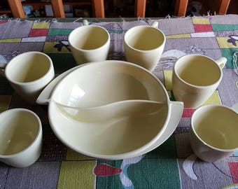 Vintage Mid Century Boonton Ware Divided Serving Bowl and Six Hemcoware Mugs Melamine 1950s  D227