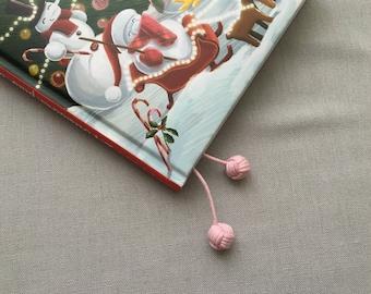 Marque page noeud couleur rose claire, noeud tressé, livre, agenda, carnet, Hobonichi, Traveler's notebook etc.