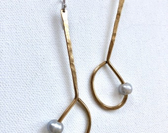 Drop fresh water pearl earrings