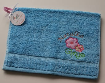 Personalized towel for kid, Towel with flowers applique and name, Small hand towel