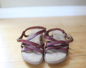 vintage sanujuns bass maroon  leather strappy sandals womens 7