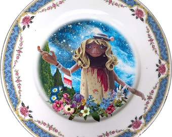 Gypsy E.T. - The Extraterrestrial - Vintage Porcelain Plate - #0513