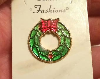 Pretty Vintage WREATH Lapel Pin Christmas Brooch Scarf Hat Pin Tie Tack Green Red Bow Enamel Cloisonee Holiday Vintage Jewelry Gift Under 10