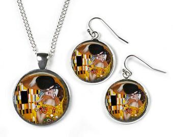 THE KISS Gustav Klimt - Set: Pendant, Chain & Earrings - Glass Picture Jewellery - Silver Plated