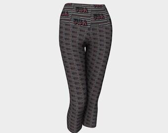USA Pattern Capris Printed Yoga Capris Wide Waist Capris Compression Fit USA Print Capri Leggings Cropped Leggings Print Tights Capris