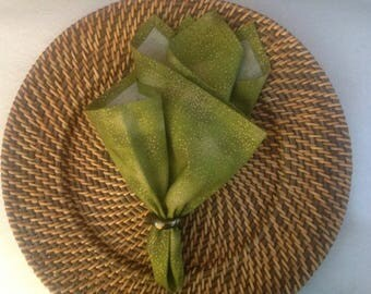 Cloth Napkin in a Tonal Olive Green Color with Specks of MetLlic Gold, Cloth Dinner Napkins, Reusable Cloth Napkins, Sets of 2 or 4