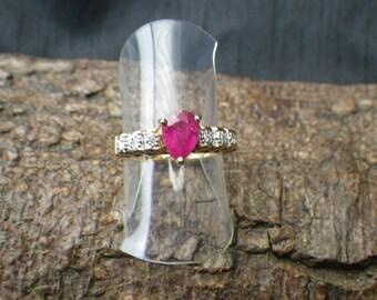 Sparking 9ct Yellow Gold Pink Sapphire Diamond Statement Ring