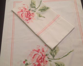 Pair of Vintage pillowcases Large rose pillowcases Vintage bedding Standard pillowcases Spring bedding Farmhouse decor Country home bedding
