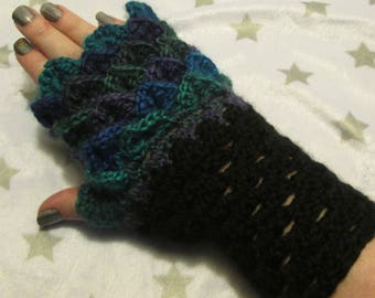 Dragon Scale Fingerless Crochet Gloves - Blue, Purple and Green, Northern Lights