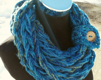 Multi color scarf, cowl, Infinity, FREE SHIPPING Cowl, Blue Green, Infinity, Turquoise, snood, pullover scarf, long Infinity, chain necklace