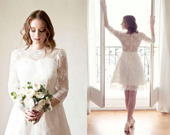 Short wedding dress with long sleeves/ transparent lace back/Long sleeves lace wedding dress/ knee length/ Robe de mariée dentelle courte