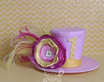 Pink Lemonade Mini Top Hat. Pink Yellow Hat. 1st Birthday Hat. Mad Hatter Tea Hat/Birthday Hat/Photo Prop. Pink and Yellow Flower Fascinator