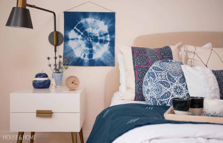 Pouf de méditation Mandala Bleu dans House & Home magazine