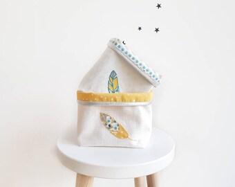 Panières bébé, brodée Plume, cadeau bébé plumes, rangement bébé, blanc, jaune, bleu, cadeau naissance, lin enduit, chambre bébé, mixte