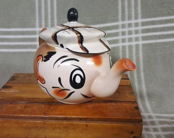 VINTAGE Wade Andy Capp Teapot. Cool!